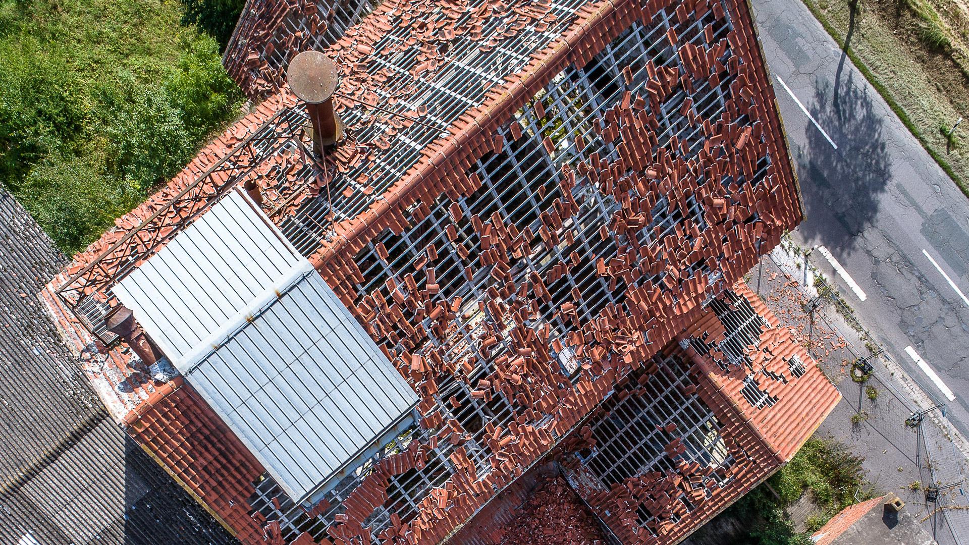 Constatation des degats sur une toiture